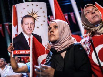 Törökország Tovább Egyensúlyozna A Nagyhatalmak Között