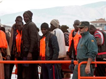 Óriási Hasznot Húznak A Migrációból Afrikában