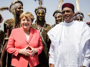 Merkel Konzekvens Afrika-politikát Folytat