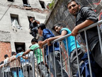 A Görögországból Elindulást Segíti Az ENSZ Bankkártyája