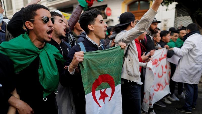 Milliónyi Muszlim Fiatal Indulhat El Hamarosan Algériából Európába