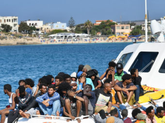 THE SITUATION IS DETERIORATING ON LAMPEDUSA: MIGRANT BOATS ARE KEEP COMING TO THE ISLAND